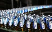 连续14年全国第一却3年关25厂、裁员3万人,华润雪花啤酒怎么了?